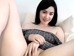 Sexy korean babe masturbating