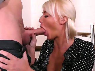 MommyBlowsBest Huge Tit MILF Drawing Solitary Parents Huge Wang