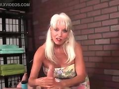 Ass of gal stuffed by rod
