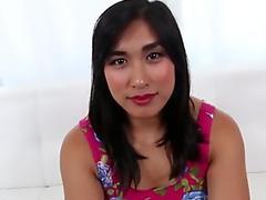 Megumi Shino reaches orgasm after nasty toy fucking