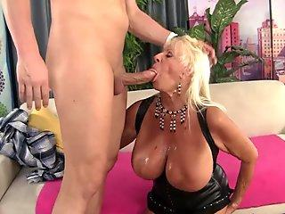Floppy Titted Grandma Mandi McGraw Fucks a Bald Guy Until He Pops in Her Mouth