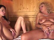 Bigtits grandma pussylicked in sauna