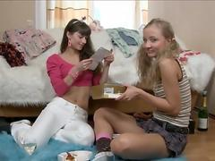 alice and bonny hot lesbians with big dildo