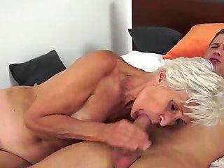 European grandma sucking and dickriding