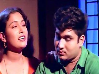 Beautiful Mallu bhabhi forcely romance with frant her husband