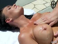 Brooke Haven gets her pussy tapped