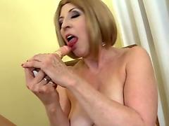 Flexible honey Amber Rayne pumping her snatch on a hard cock