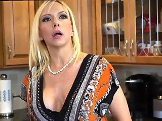 Step parent pulverizes friend's daughter-in-law every time mom leaves and zoey holloway