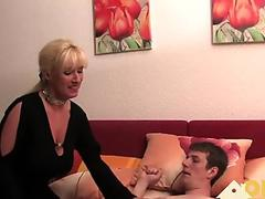 Watch free Fetisch-Concept.com - 2 girls with long cast leg visit a flower store part 1