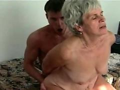 Twink has his massive dick sucked before fucking guy bare