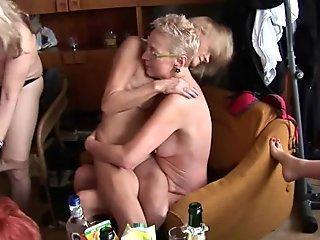 Anal Pounding A Pro Milf Mom and an Amateur daughter Lisa Ann & Casey Calvert.11.wmv