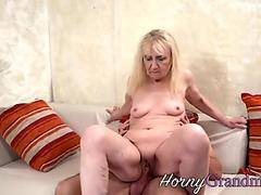 Brunette Candy Cat fucks her tight pussy with dildo outdoors