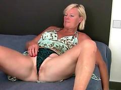 Hot blonde lady squirts right on a her boyfriend