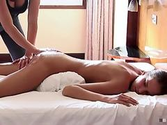Valentine's Day pussy creampie for pretty thai girl