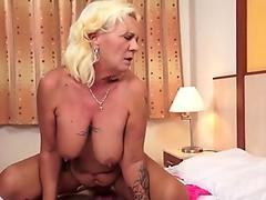 Watch free Leigh Raven and Nikki Hearts Have a BBC Threesome