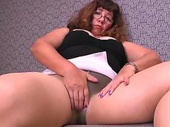 Girlfriend and ExGirlfriend sucking Fucking real from COMEMYCAM.com