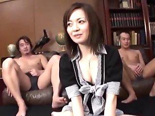 Mika Hukunaga, house wife, fucked in dirty threesome