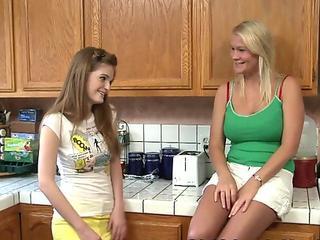 Lesbian teen fingerbangs