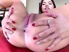 Surreal lesbian sex with Jezebelle and Leya
