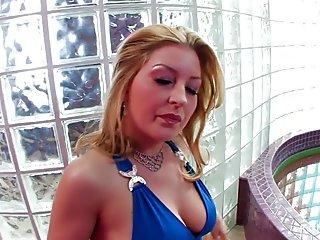 Blonde Avy teases her man before getting creampied